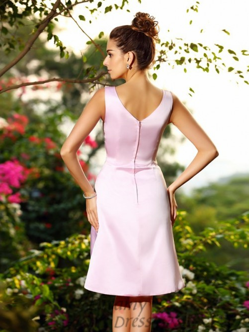 A-Line/Princess Satin V-neck Knee-Length Bridesmaid Dress