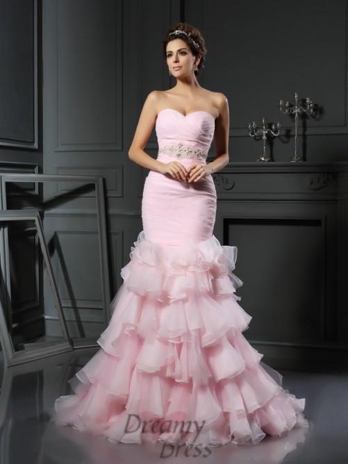 Trumpet/Mermaid Sweetheart Organza Chapel Train Wedding Dress