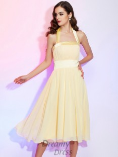 A-Line/Princess Knee-Length Halter Pleats Chiffon Dress