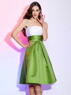 A-Line/Princess Pleats Strapless Satin Knee-Length Dress