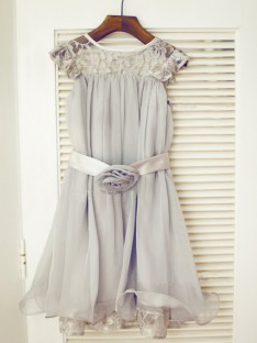 A-line/Princess Scoop Floor-length Chiffon Flower Girl Dresses with Lace