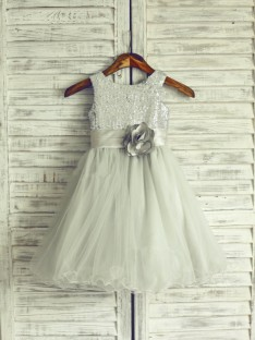 A-line/Princess Scoop Knee-Length Organza Flower Girl Dresses with Hand-made Flower
