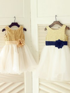 A-line/Princess Scoop Floor-length Tulle Flower Girl Dresses with Hand-made Flower
