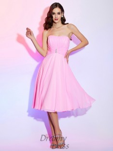 A-Line/Princess Strapless Chiffon Pleats Bridesmaid Dress