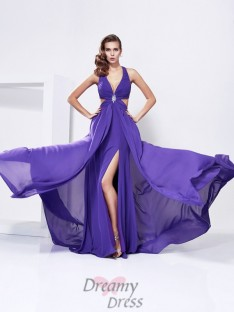 A-Line/Princess V-Neck Chiffon Sweep/Brush Train Dress