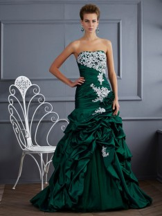 Ball Gown Strapless Sweep/Brush Train Taffeta Dress