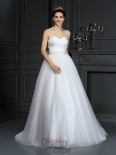 Ball Gown Sweetheart Court Train Net Wedding Dress