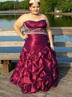 A-Line/Princess Strapless Floor-Length Taffeta Plus Size Dress