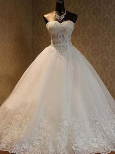Ball Gown Tulle Sweetheart Floor-Length Wedding Dress