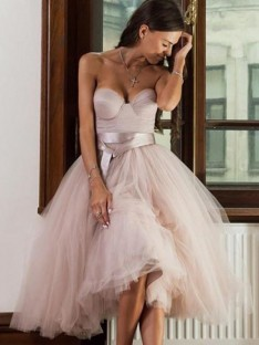 A-Line Tulle Sweetheart Tea-Length Dress