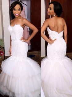 Trumpet/Mermaid Sweetheart Lace Court Train Tulle Wedding Dress
