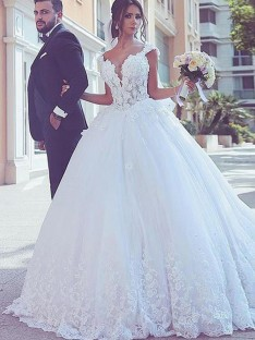 Ball Gown Sweetheart Sweep/Brush Train Lace Tulle Wedding Dress