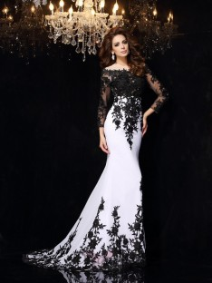 Long Sleeves Scoop Lace Chiffon Court Train Dress