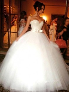 Ball Gown Bowknot Sweetheart Tulle Sleeveless Floor-Length Wedding Dress